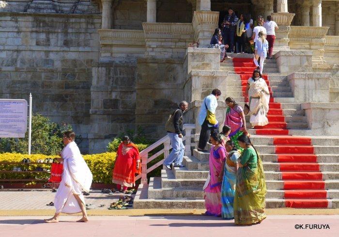 インド・ラジャスタンの旅 11 ジャイナ教の聖地ラーナクプル_a0092659_19502004.jpg