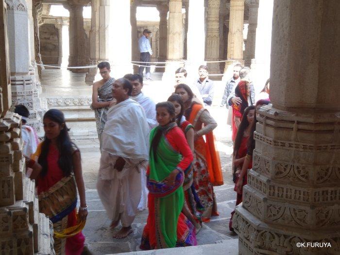 インド・ラジャスタンの旅 11 ジャイナ教の聖地ラーナクプル_a0092659_19524375.jpg