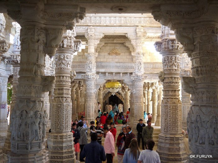 インド・ラジャスタンの旅 11 ジャイナ教の聖地ラーナクプル_a0092659_19571418.jpg