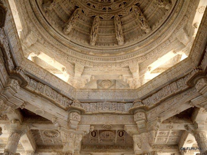 インド・ラジャスタンの旅 11 ジャイナ教の聖地ラーナクプル_a0092659_20005579.jpg