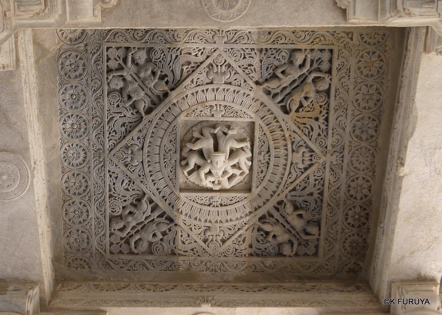 インド・ラジャスタンの旅 11 ジャイナ教の聖地ラーナクプル_a0092659_22124775.jpg