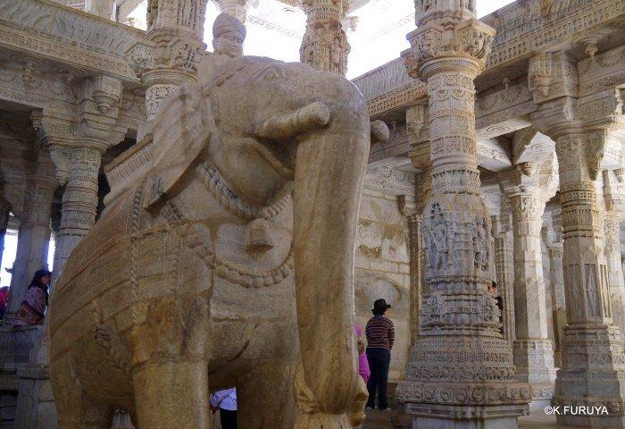 インド・ラジャスタンの旅 11 ジャイナ教の聖地ラーナクプル_a0092659_22162217.jpg