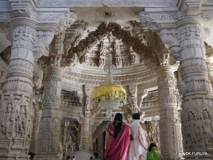 インド・ラジャスタンの旅 11 ジャイナ教の聖地ラーナクプル_a0092659_22181974.jpg