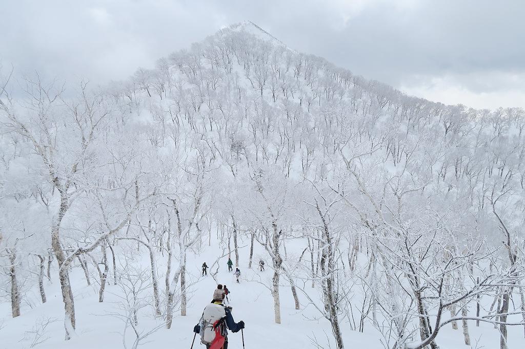 白老岳と北白老岳、3月11日_f0138096_16524488.jpg