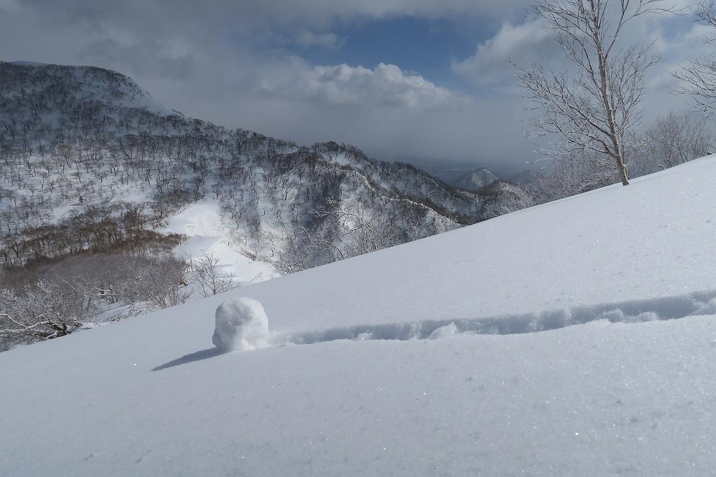 白老岳と北白老岳、3月11日_f0138096_16535835.jpg