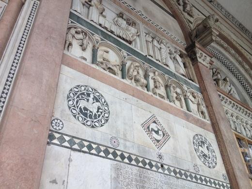 ルッカのドゥオモ:ニコデモが彫ったVolto Santo_a0136671_4222541.jpg