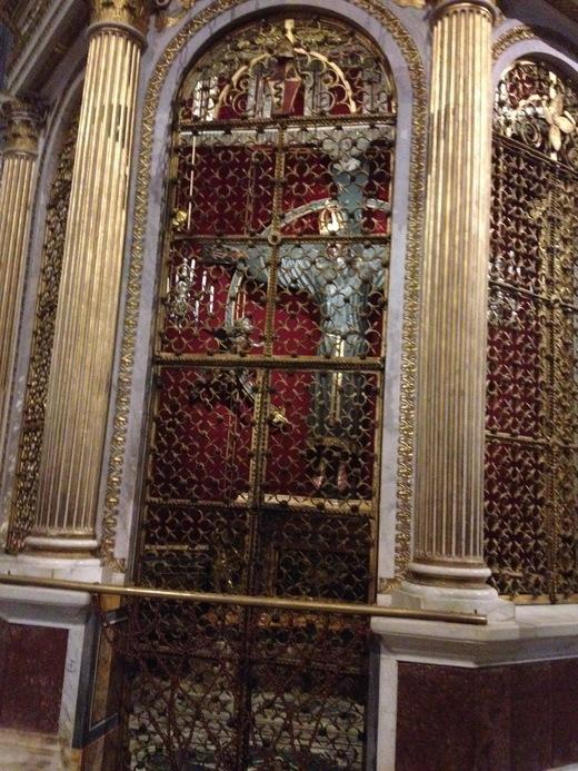ルッカのドゥオモ:ニコデモが彫ったVolto Santo_a0136671_92489.jpg