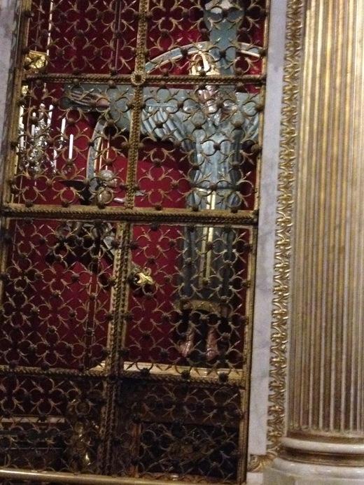 ルッカのドゥオモ:ニコデモが彫ったVolto Santo_a0136671_9254154.jpg