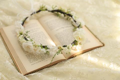 ホワイトベース華奢なナチュラル花冠【通販可】_e0212771_12551973.jpg