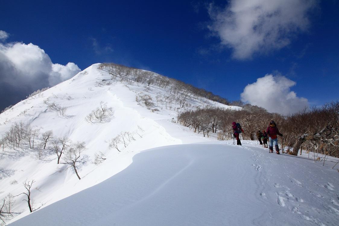 白老岳と北白老岳、3月11日-同行者からの写真-_f0138096_22164082.jpg