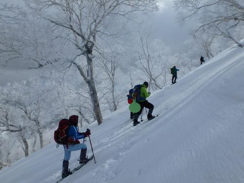 白老岳と北白老岳、3月11日-同行者からの写真-_f0138096_22172337.jpg