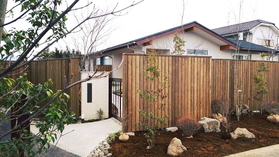 木々に彩られた暮らし 川島の家*お庭工事_d0080906_13583087.jpg