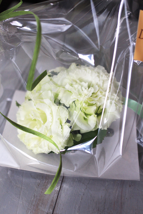 生花のコサージュ_f0296440_21441018.jpg