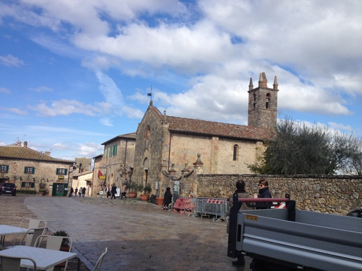 モンテリッジョーニ:2016年の中世のお祭り予定_a0136671_1521698.jpg