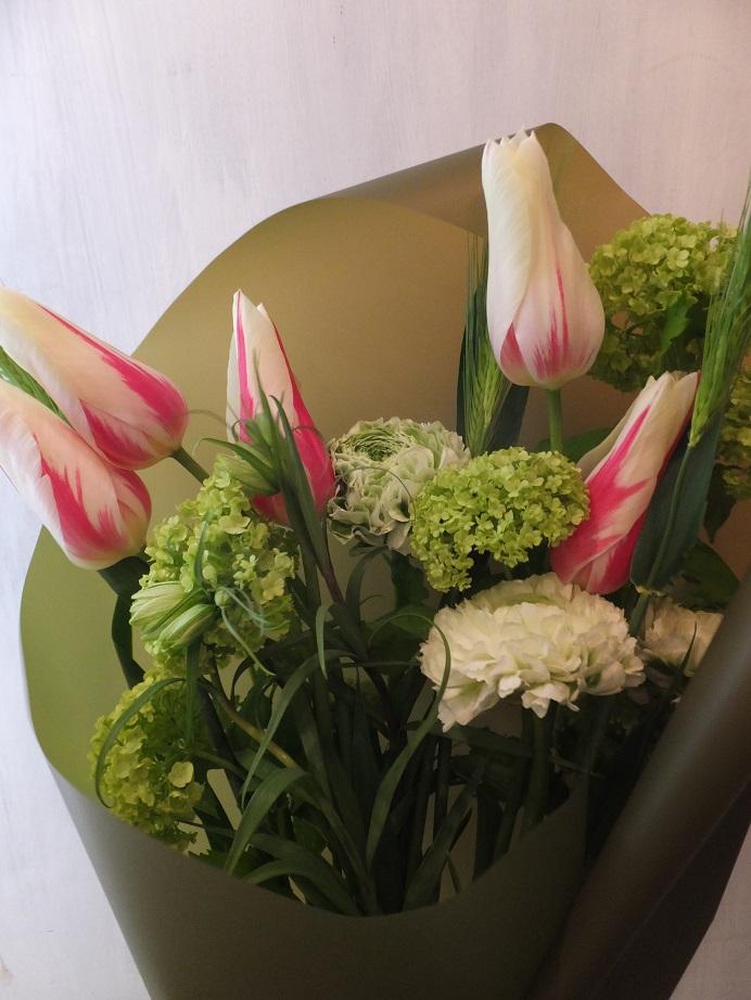 オークリーフ(お誕生日にチューリップの花を)_f0049672_18133427.jpg