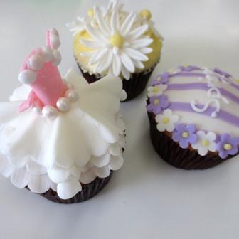「お花とドレスのCUP CAKE」1DAYレッスン開催しました♪_d0240728_1675814.jpg