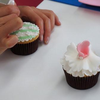「お花とドレスのCUP CAKE」1DAYレッスン開催しました♪_d0240728_1681624.jpg