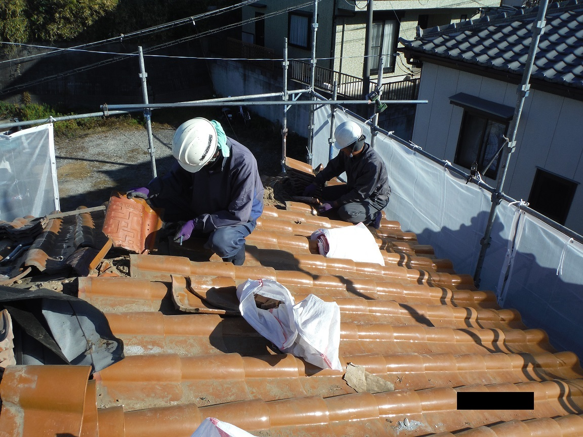 屋根葺き直し、雨樋取替、外壁塗替え ~強化棟。_d0165368_712285.jpg