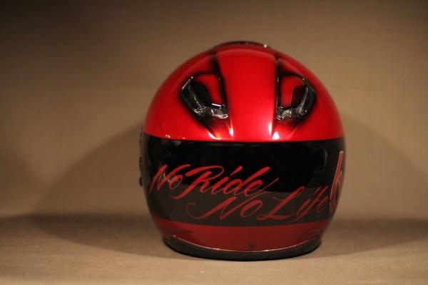 Helmet paint._d0074074_17541032.jpg