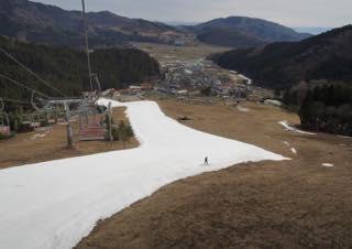山本さんスキー三昧でお忙しいのでは....)...なんて.._b0194185_2231487.jpg