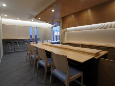 世田谷の閑静な住宅街、隠れ家的な美食寿司店プレオープン!_e0010418_9354969.jpg