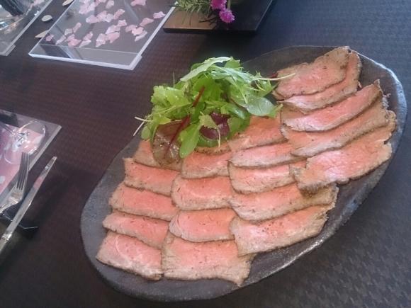 ローストビーフを楽しむ食卓(1回完結)_f0323446_22293514.jpg