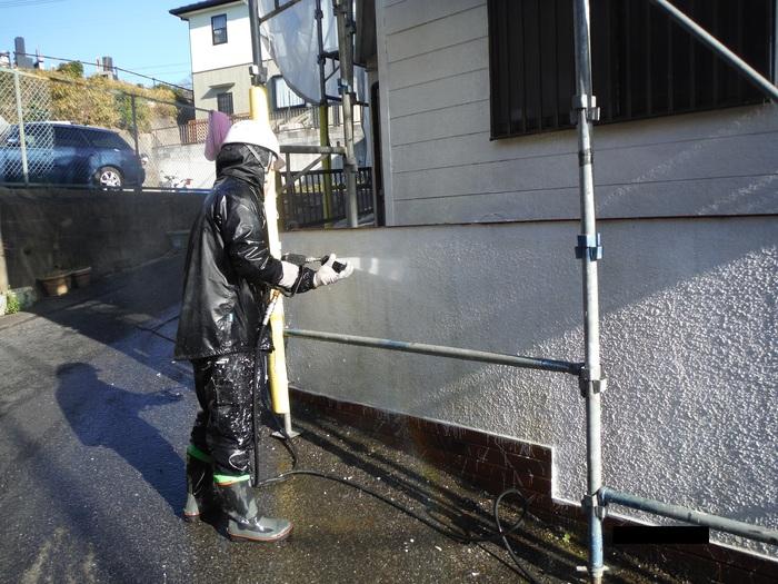 屋根葺き直し、雨樋取替、外壁塗替え ~ 外壁水洗い。_d0165368_726663.jpg