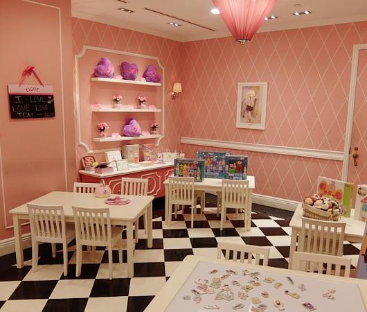 ご家族で楽しめる老舗高級ホテルの地下フードコート、The Plaza Food Hall_b0007805_1175953.jpg