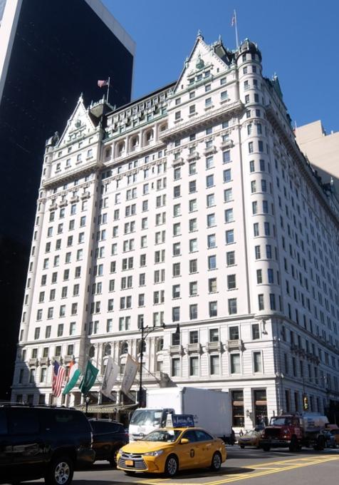 ご家族で楽しめる老舗高級ホテルの地下フードコート、The Plaza Food Hall_b0007805_1283527.jpg
