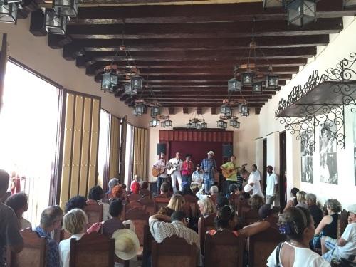 トローバ国際音楽祭通信 #カリブ海 #キューバ #サンティアゴ・デ・クーバ #トローバ #音楽祭 #オリエンテ_a0103940_08393744.jpg