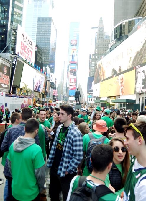 セント・パトリック・デー(St. Patrick\'s Day)のNYの街角風景_b0007805_11452134.jpg