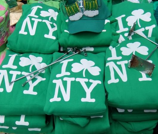 セント・パトリック・デー(St. Patrick\'s Day)のNYの街角風景_b0007805_1148311.jpg