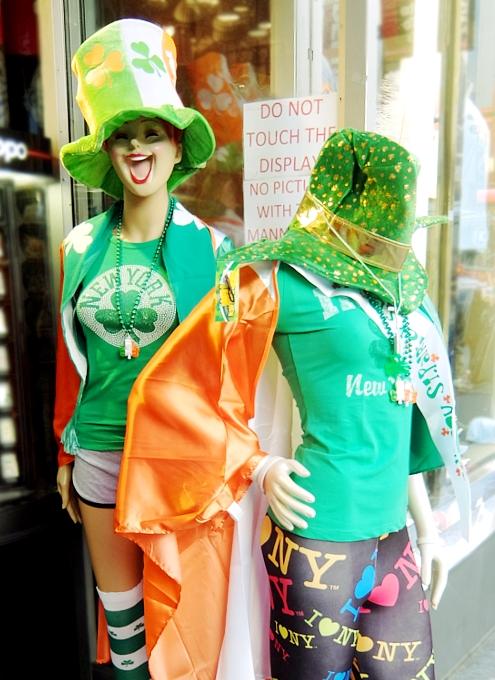 セント・パトリック・デー(St. Patrick\'s Day)のNYの街角風景_b0007805_11493894.jpg
