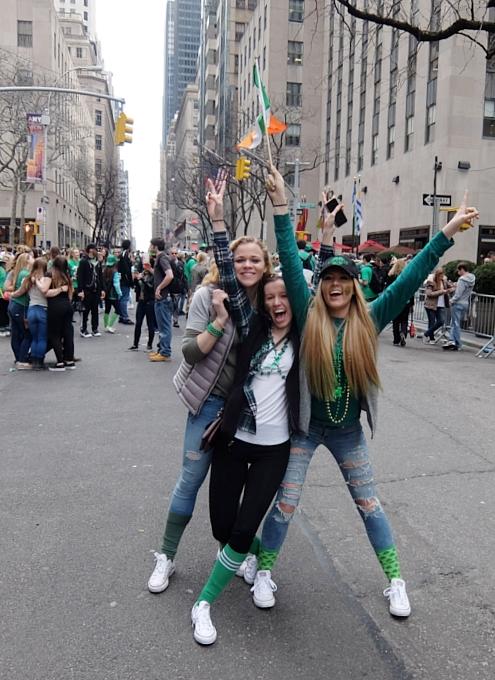 セント・パトリック・デー(St. Patrick\'s Day)のNYの街角風景_b0007805_11505598.jpg
