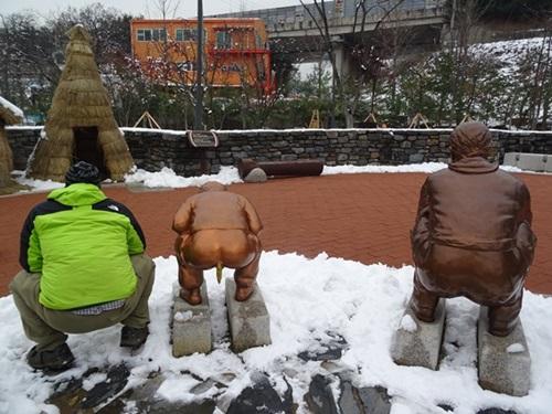 トイレの重要性を伝えるために作られた、うん◯博物館☆韓国_e0182138_1252466.jpg