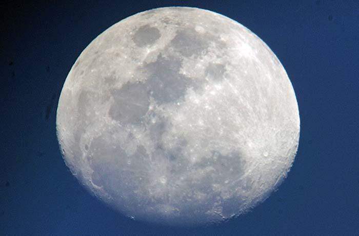 今宵の月_e0016894_18361651.jpg