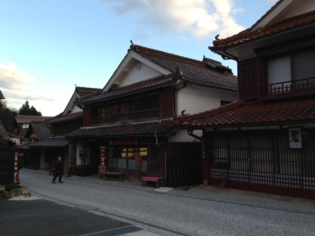 岡山・兵庫 建築視察(4)吹屋の街並み_c0310571_20360148.jpg
