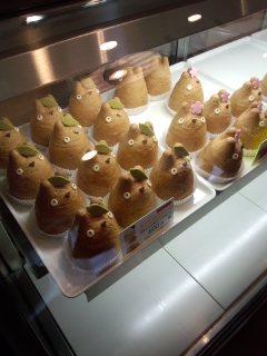 世田谷代田 白髭のシュークリーム工房のトトロのシュークリームとクッキー_f0112873_2242128.jpg