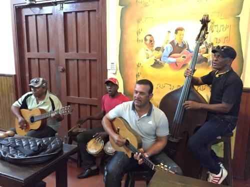 トローバ国際音楽祭通信3 #カリブ海 #キューバ #トリオ #サンティアゴデクーバ #トローバ #音楽祭_a0103940_13383968.jpg