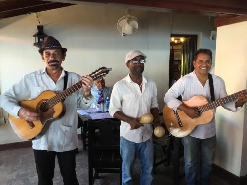 トローバ国際音楽祭通信3 #カリブ海 #キューバ #トリオ #サンティアゴデクーバ #トローバ #音楽祭_a0103940_13432154.jpg