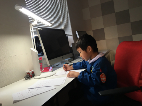 幼稚園児の宿題_e0046950_19462374.jpg