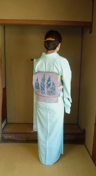 連休のお客様・春らしいお召しに筍に桜の藍染帯。_f0181251_17433562.jpg