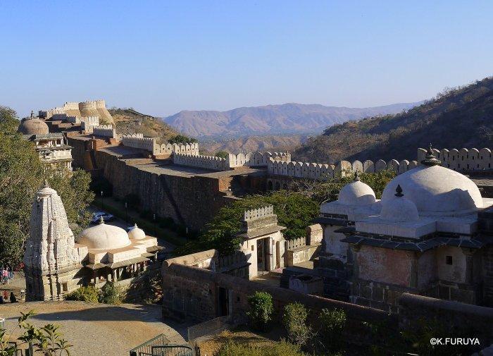 インド・ラジャスタンの旅 12 インド版「万里の長城」クンバルガル砦_a0092659_17550773.jpg
