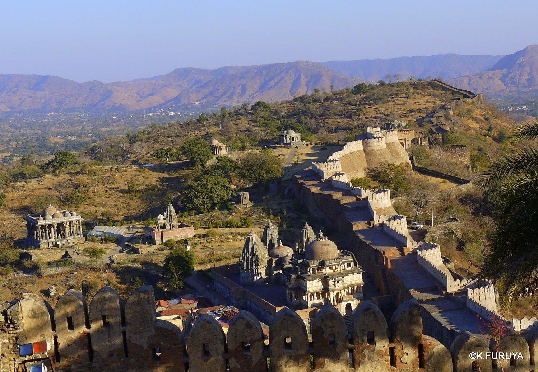 インド・ラジャスタンの旅 12 インド版「万里の長城」クンバルガル砦_a0092659_18123033.jpg