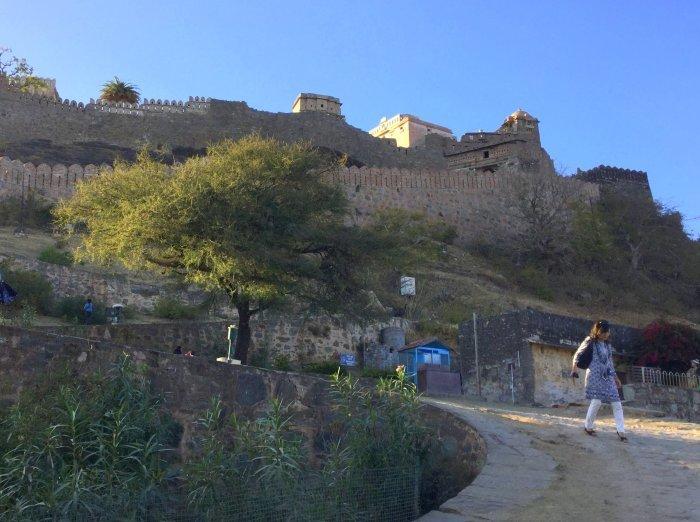 インド・ラジャスタンの旅 12 インド版「万里の長城」クンバルガル砦_a0092659_18292325.jpg