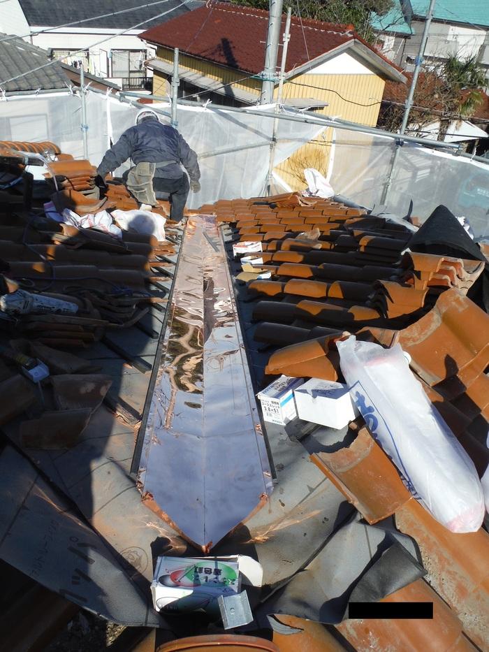 屋根葺き直し、雨樋取替、外壁塗替え ~ 屋根の谷。_d0165368_14483792.jpg