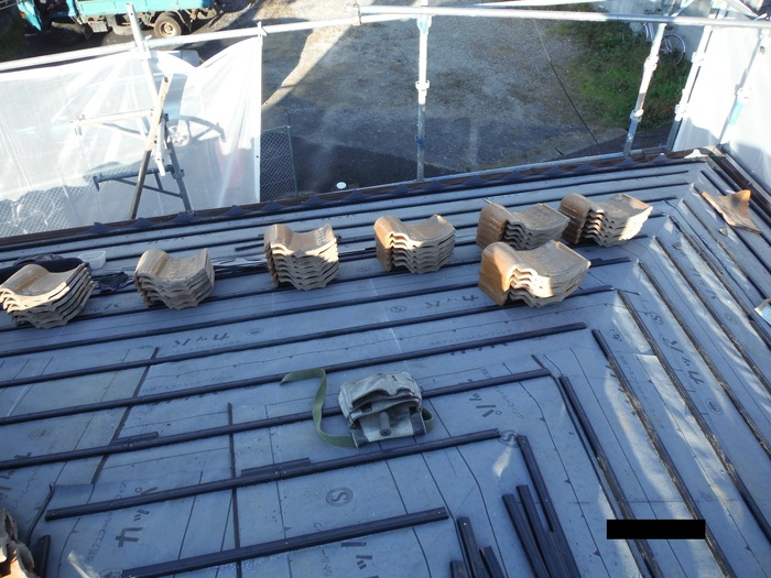 屋根葺き直し、雨樋取替、外壁塗替え ~ 屋根の谷。_d0165368_14485030.jpg