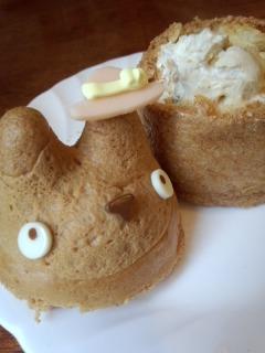 世田谷代田 白髭のシュークリーム工房のトトロのシュークリームとクッキー_f0112873_0182448.jpg