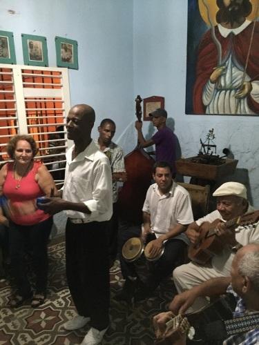 トローバ国際音楽祭通信4 #カリブ海 #キューバ #トローバ #音楽祭 #サンティアゴデクーバ_a0103940_00123119.jpg