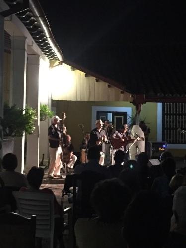 トローバ国際音楽通信6 #カリブ海 #キューバ #サンティアゴデクーバ #トローバ #国際音楽祭 #メジャーリーグ_a0103940_10405893.jpg